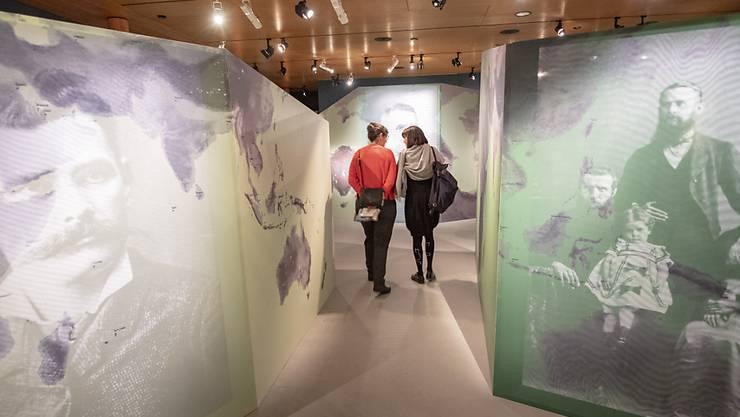 """Einen interessanten Gang durch die Schweizer Auswanderungsgeschichte bietet die neuste Ausstellung """"Auf in eine neue Welt - Die Schweiz anderswo"""" im Forum Schweizer Geschichte in Schwyz."""