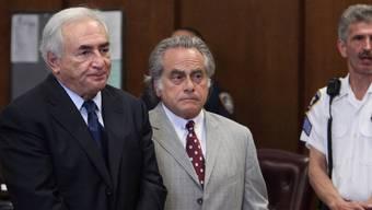 Strauss-Kahn mit seinem Anwalt Brafman vor Gericht