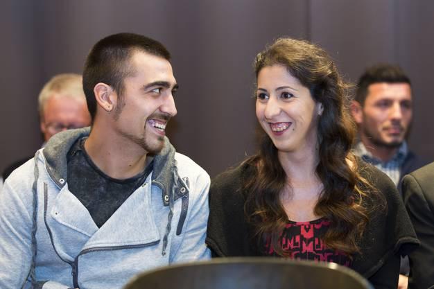 Grosse Erleichterung bei Funda Yilmaz und ihrem Freund Nico nach ihrer Einbürgerung, am 18. Oktober in Buchs.