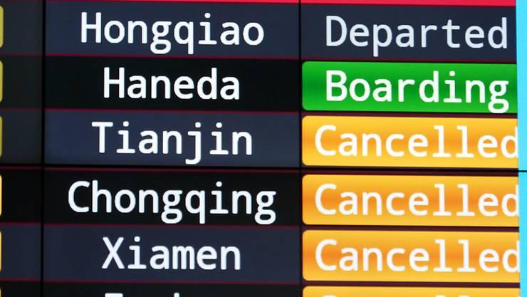 Am Flughafen Taipeh auf Taiwan wurden wegen des Taifuns Lekima zahlreiche Flüge gestrichen.