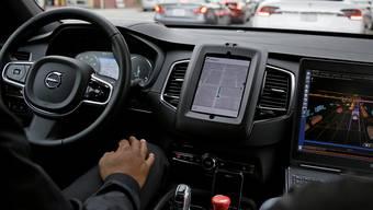 Wie weit ist die Technik wirklich? Uber testet autonomes Fahren.