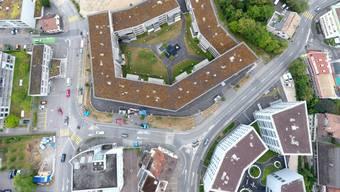 Alle Strassen im Bild werden erneuert. Unten ist der «Rebgarten» mit dem Tertianum, in der Mitte die Überbauung «Weierweg» zu sehen.