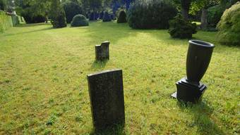 Im Frühling sollte das Grabmal wieder auf dem alten Stadtfriedhof stehen.