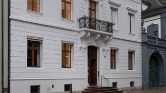 Krebsliga beider Basel zieht in die Villa am Petersplatz ein