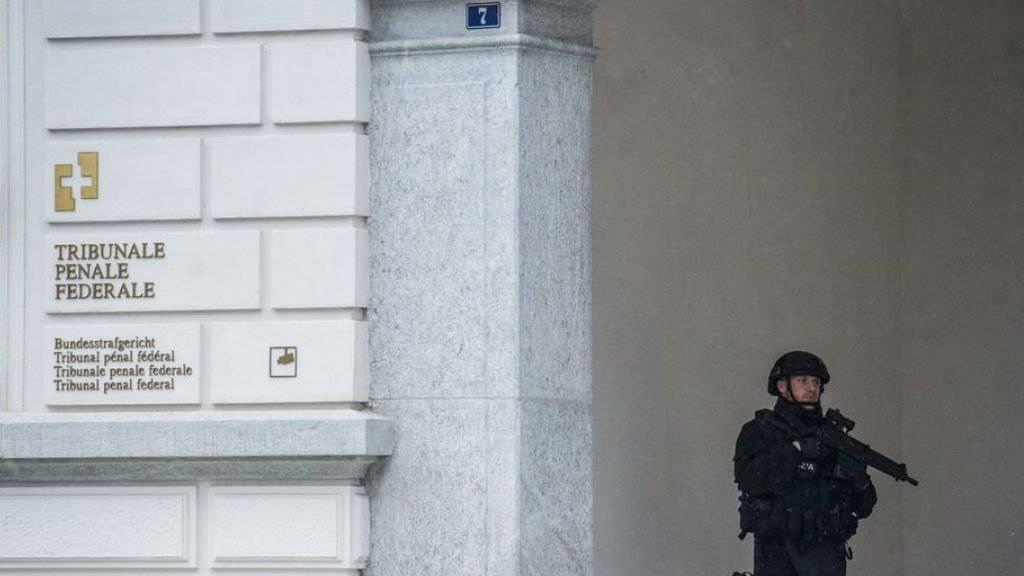 Der Prozess gegen vier in der Schweiz wohnhafte Iraker wegen Unterstützung einer kriminellen Organisation vor dem Bundesstrafgericht in Bellinzona fand im Februar und März unter verschärften Sicherheitsvorkehrungen statt. (Symbolbild)