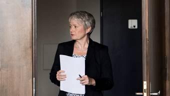 Jacqueline Fehr lässt Gesetzesgrundlage der KESB Zürich überprüfen.
