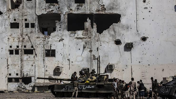 Regierungstreue Kämpfer in Libyen sollen beim Angriff auf Milizen im Süden des Landes standrechtliche Hinrichtungen vollzogen haben. (Symbolbild)