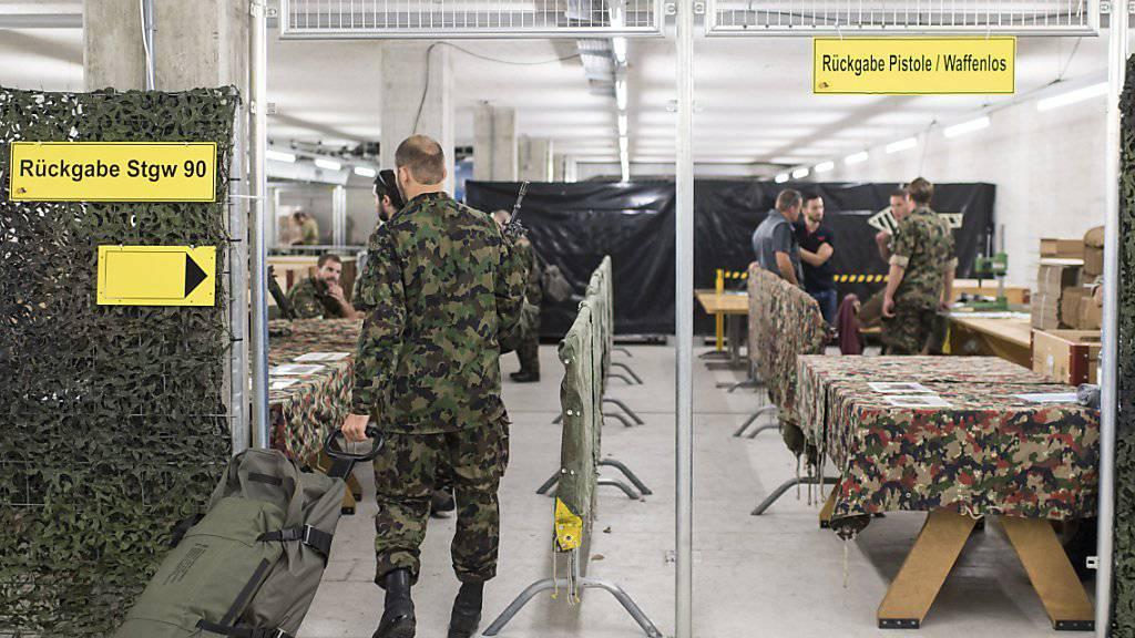 Vergangenes Jahr hat die Schweizer Armee gegen 70 verschwundene Waffen gezählt. (Symbolbild)