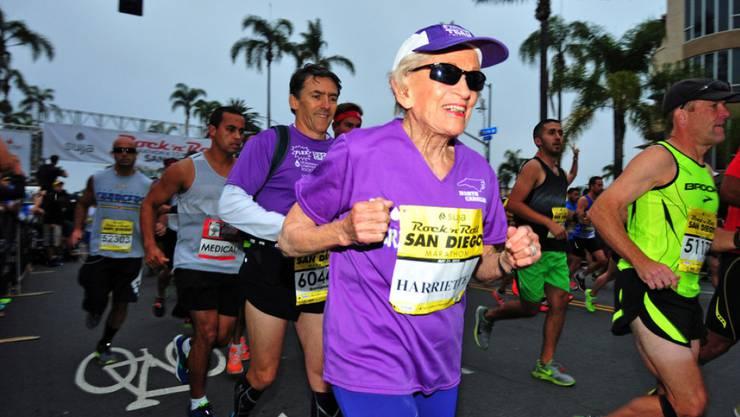 Harriette Thomson schaffte den Marathon in 7 Stunden, 24 Minuten und 36 Sekunden