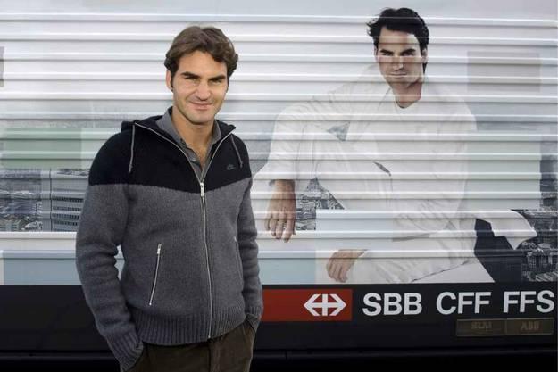 Federer weiht SBB-Lok ein