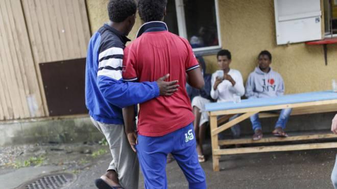 Abgewiesene Asylsuchende müssen neu zweimal täglich zur Präsenzkontrolle in ihrer Unterkunft sein. Foto: Keystone