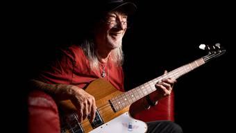 Roger Glover und sein Bass.