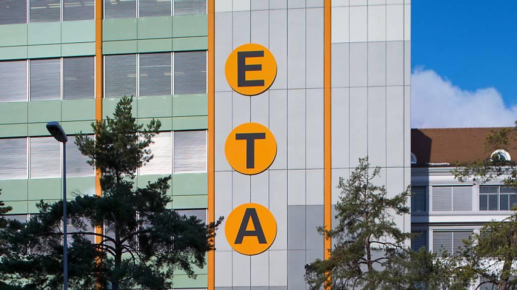Die Swatch-Tochter ETA erhält von der Weko nun wieder freie Hand, Drittkunden mit Uhrwerken zu beliefern. (Archivbild)