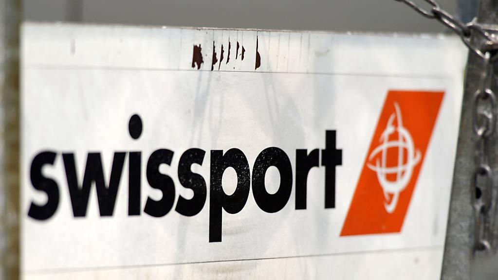 Künftig sollen ausländische Übernahmen von Schweizer Firmen – wie des Flugzeugabfertigers Swissport – genehmigungspflichtig sein. Der Bundesrat hat die Eckpunkte einer sogenannten Investitionskontrolle definiert. (Themenbild)