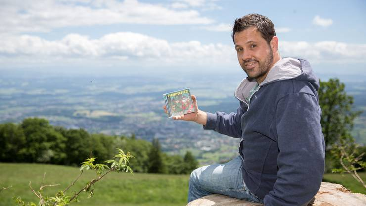 Simon Fankhauser mit seiner CD aus dem Jahr 2017.