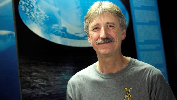 Rolf Glatz hilft derzeit beim Aufbau und der Planung der Korallenzucht im Zolli.