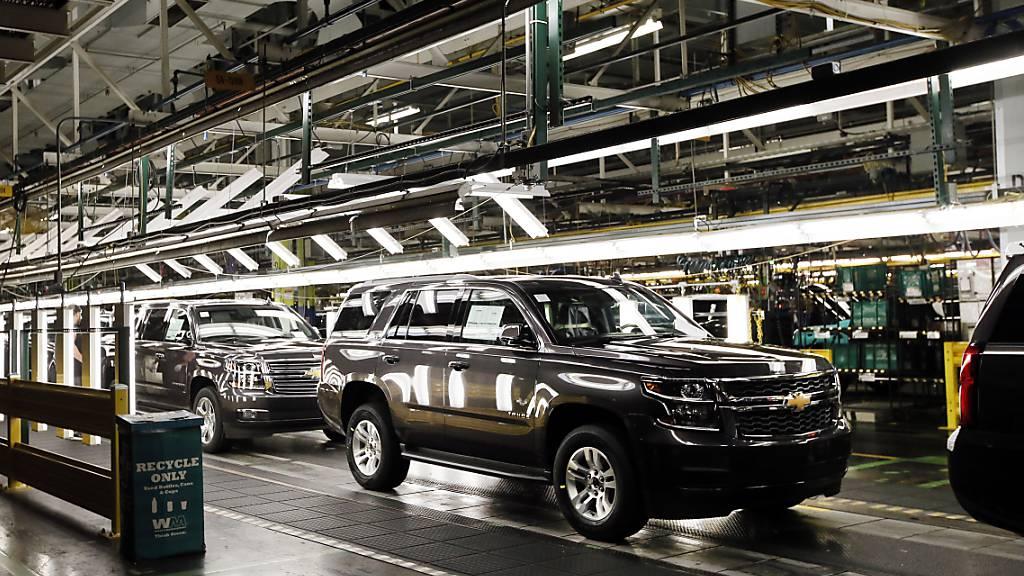 Der US-Autokonzern General Motors hat im ersten Quartal deutlich mehr verdient als vor einem Jahr. Gut nachgefragt wurden vor allem SUVs und Pick-up-Trucks.(Archivbild)