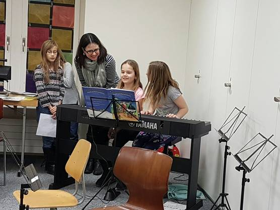 Nachwuchs-Pianistinnen