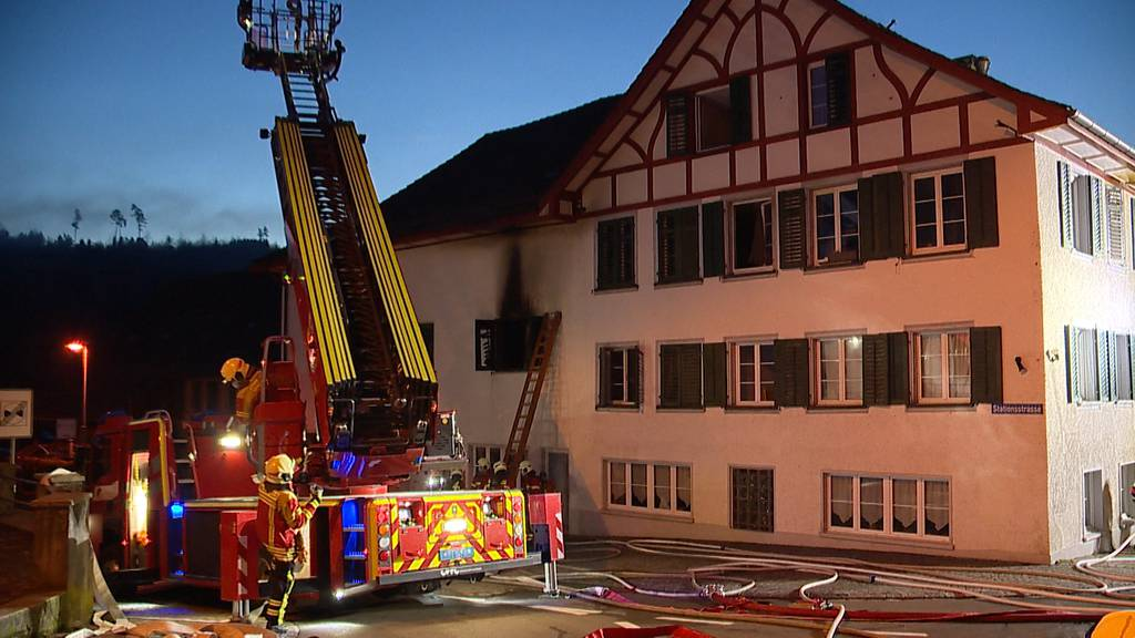 Aadorf (TG): Brand in Mehrfamilienhaus verursacht hohen Sachschaden