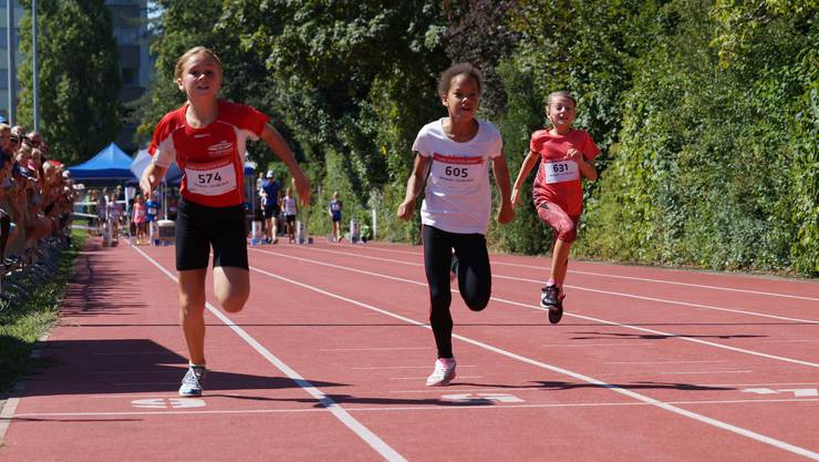 Beim «De schnellscht Aargauer» rannten über 600 Kinder.