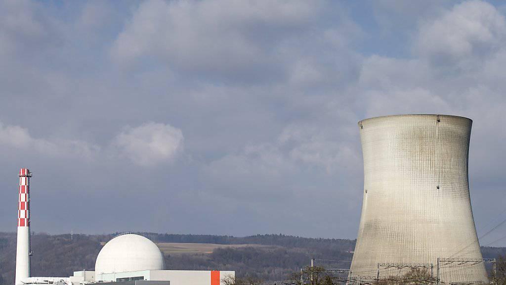 Atomkraftwerke stillzulegen dürfte deutlich teurer werden als bisher berechnet. Im Bild das AKW Leibstadt. (Archivbild)