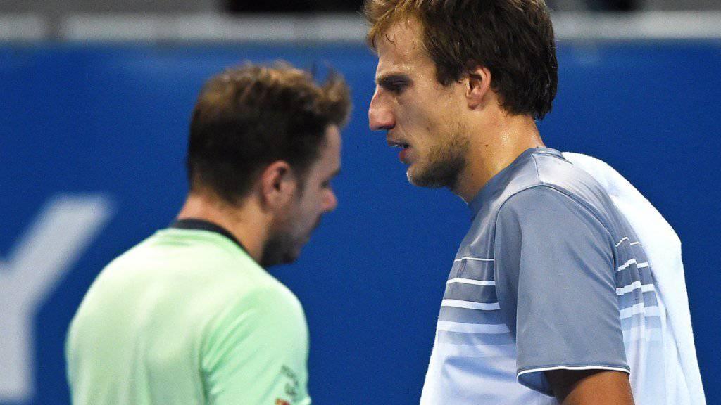 Der bosnische Qualifikant Mirza Basic (vorne) schaltet am ATP-Turnier in Sofia im Halbfinal den topgesetzten Stan Wawrinka aus
