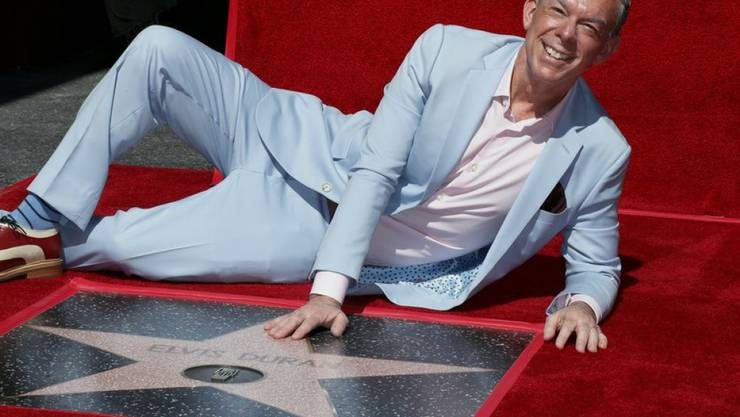 US-Radiomoderator Elvis Duran ist mit einem Stern auf dem Walk of Fame in Hollywood geehrt worden.