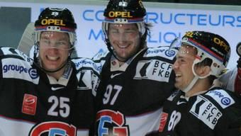 Klarer Heimsieg für Fribourg (hier v.l.n.r. Andrei Bykow, Adrien Lauper und Franco Collenberg)