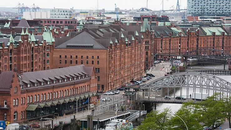 Die Speicherstadt in Hamburg - sie gehört nun auch zum UNESCO-Welterbe (Archiv)