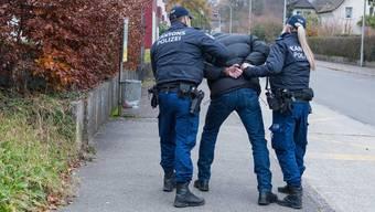 Der Mann leistete bei seiner Verhaftung keinen Widerstand. (Symbolbild)