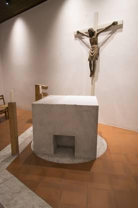Altar des Pop-Art-Künstlers Peter Travaglini in der Kapelle der Grenchner Eusebiuskirche.