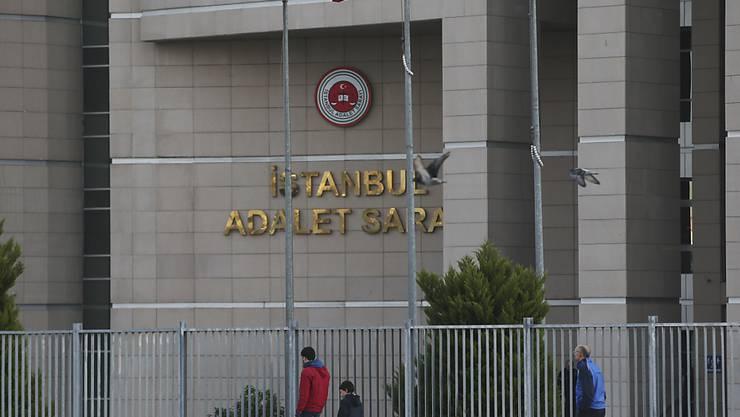 Ein Istanbuler Gericht verurteilte fünf Journalisten zu jeweils 18 Monaten Gefängnis. Sie bleiben bis zum Berufungsurteil auf freiem Fuss. (Symbolbild)