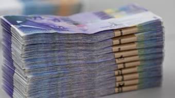 Viele Schweizer zahlten 2014 Steuern nach (Symbolbild)