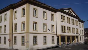 «Ich will ins Gefängnis», sagte der 24-jährige Angeklagte. Das Strafgericht in Liestal ging auf seinen Wunsch nicht ein. Es ordnete eine sogenannte Massnahme für junge Erwachsene an. (Archiv)