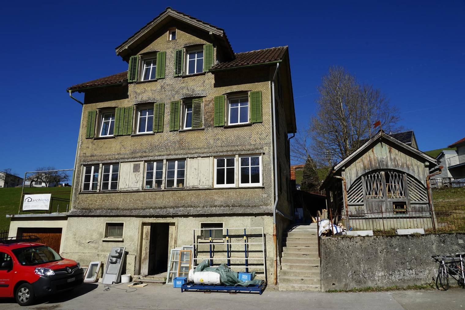 Die Bauarbeiten beim Restaurant «Waldegg am Bach» sind voll im Gang. (Bild: St. Galler Tagblatt/ Sandro Büchler)