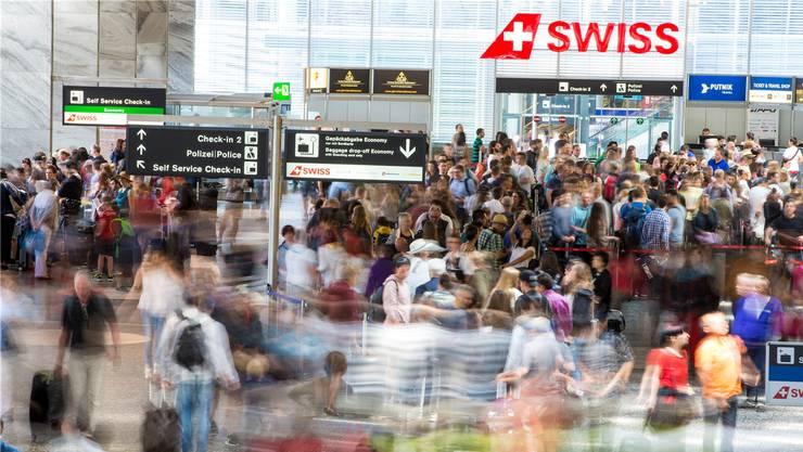 962 Flugreisen absolvierten städtische Angestellte und Behördenmitglieder im vergangenen Jahr. (Themenbild: Patrick B. Kraemer/Keystone)