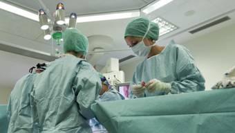 Das Kantonsspital Aarau arbeitet bei der Herzchirurgie weiter mit der Hirslanden Klinik zusammen. (Symbolbild)
