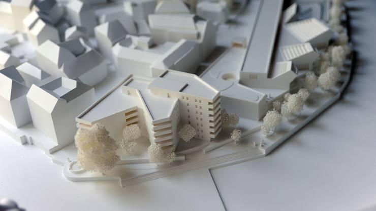 Detailansicht des Gipsmodelles, welches das Bauvorhaben im Bäderquartier zeigt. (Emanuel Freudiger)