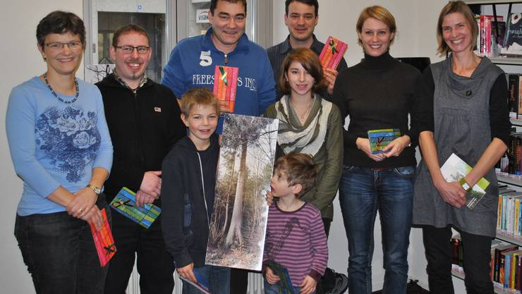 Die 8 glücklichen Gewinner des Wettbewerbs der Umweltwochen in der Stadtbibliothek Baden