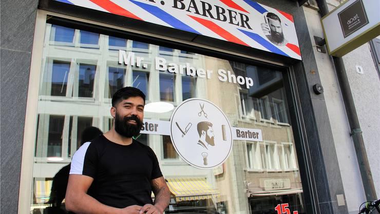 Früher war hier die Boutique Apart mit Wohnaccessoires und Geschenken eingemietet, gestern Donnerstag hat Taher Djoora seinen Barber-Shop eröffnet.
