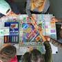 Beim Monopoly wechselt viel Spielgeld die Hand. Ziel ist es, am meisten Besitz zu haben und die anderen Spieler in den finanziellen Ruin zu treiben.