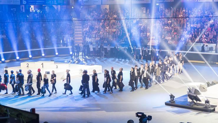 Einmarsch der besten Teilnehmenden an den Schweizer Berufsmeisterschaften: In 70 Berufen wurden Gold-, Silber- und Bronzemedaillen vergeben.