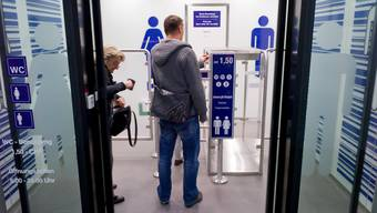 Eine saubere Toilette am Bahnhof hat ihren Preis: Blick in eine WC-Anlage der SBB.