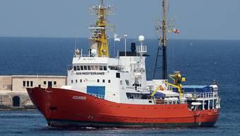 """Das Rettungsschiff """"Aquarius"""" ist wieder im Einsatz, um Bootsflüchtlinge vor der Küste Libyens zu retten.  (Archivbild)"""