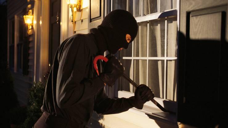 Der Hauswart in Zuchwil hat einen unbekannten Mann in seiner Werkstatt angetroffen und festgehalten.