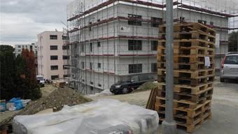 Neue Wohnüberbauung an der Bettlachstrasse. Experten bezweifeln, dass die Statistik der Leerwohnungen genau ist.