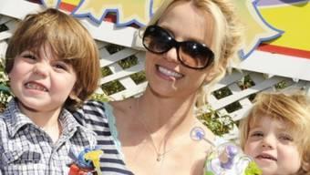 Damals noch keine Hausaufgaben: Britney Spears und Söhne 2009