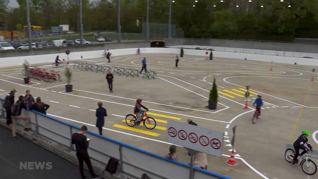 Weyerli bietet temporären Velo-Verkehrsplatz