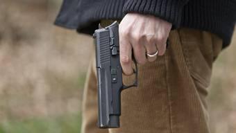 In einer Frauenfelder Kontaktbar soll am Dienstagnachmittag ein Mann mit einer Waffe aufgetaucht sein (Symbolbild).