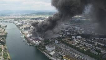 Brand im Hafen